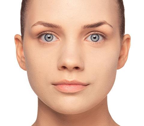 Vous pouvez voir ici l'effet avant/après de l'astuce de maquillage Peau à imperfections