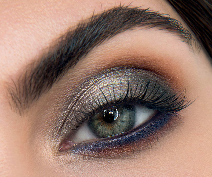 Ein Close-up von einem geschminkten Auge