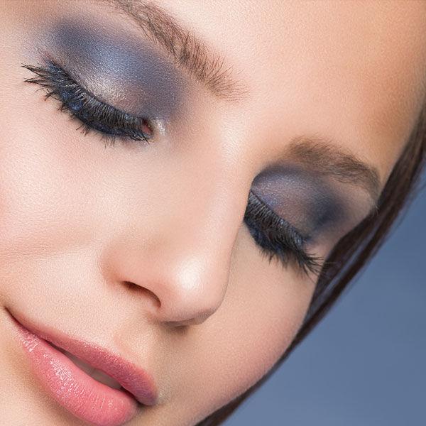 Produkte für ein blaues Lidschatten Make-up kaufen